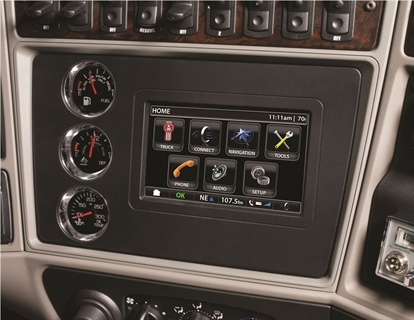 The in-dash NavPlus technology system utilizes a high-resolution, 7-inch color screen and 8 gigabytes of memory.