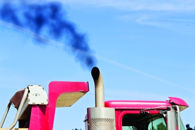 In the past, engine mechanical problems showed visible signs, such as exhaust smoke color, soot traces, or a new oil stain underneath the truck. This is no longer the case. (Photo: Getty Images)