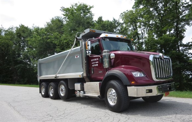 The HX620 has a setback steer axle and 120-inch BBC, and comes only with a Cummins ISX15. Shorter models use Navistar's own N13 diesel. Note external air cleaners and many other items in chrome or bright metal. Photos: Tom Berg