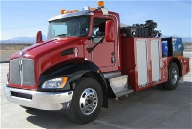 Image of Kenworth diesel-electric hybrid truck, the first used in a service application, which was introduced at the World of Concrete. Photo courtesy of Kenworth