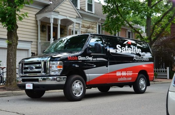 The Safelite AutoGlass fleet operates nationwide to repair or replace vehicle windshields. (PHOTO: Safelite AutoGlass)