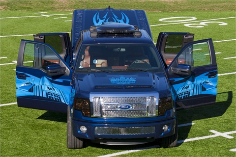 A.R.E. has painted the custom Pro Football of Fame Truck with a stylized silhouette of the Pro Football Hall of Fame and the Pro Football Hall of Fame Field at Fawcett Stadium.