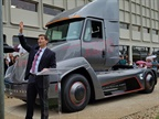 Cummins Unveils Class 7 All-Electric Daycab Tractor