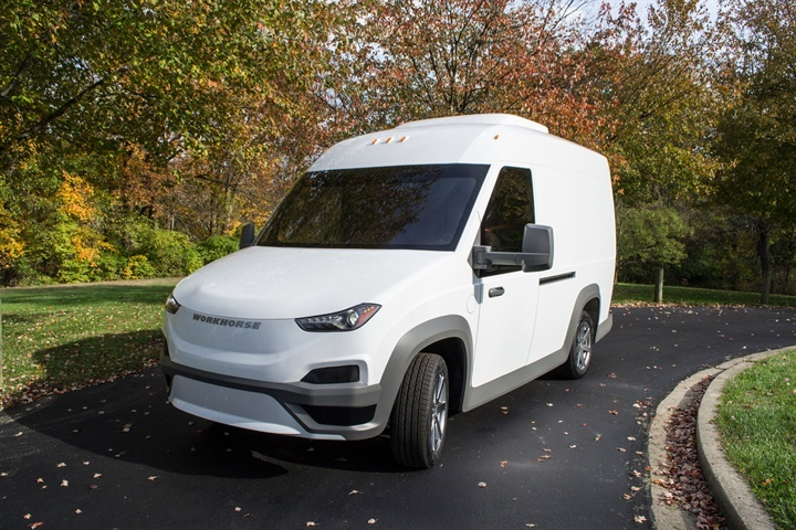 The Workhorse N-Gen s 19-inch floor and 105-inch roof height maximize