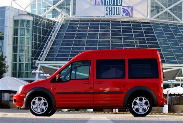 Photo of 2011 Ford Transit Connect via Wikimedia.