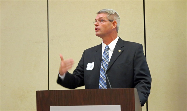 Derek Barrs, Florida's chief of commercial vehicle enforcement, asked for a show of hands among the state enforcement people in the room if they were ready for the ELD mandate. Photo: Deborah Lockridge