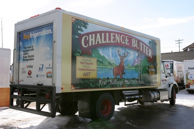 Photo of solar-powered refrigerated truck courtesy of eNow.