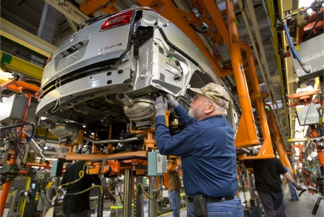 Photo of Lansing Delta Township assembly plant courtesy of GM.