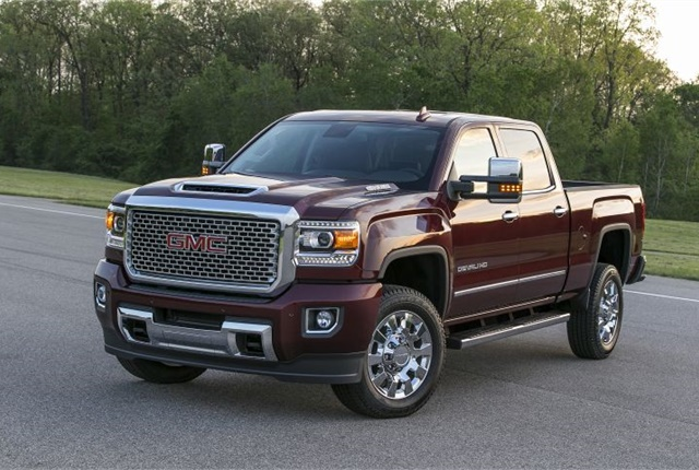 Photo of 2017 GMC Sierra Denali 2500HD courtesy of GM.