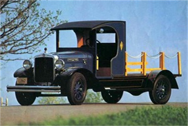1928 Kenworth VS107 restored by Al Koenig of Rochester, Minn.
