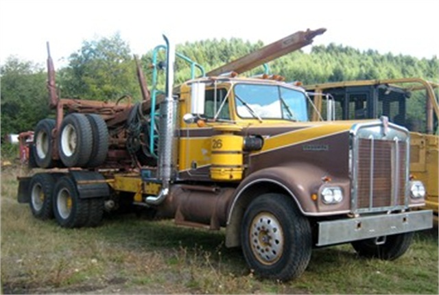 1972 Kenworth W900A restored by David Hull of Bellfountain, Ore.