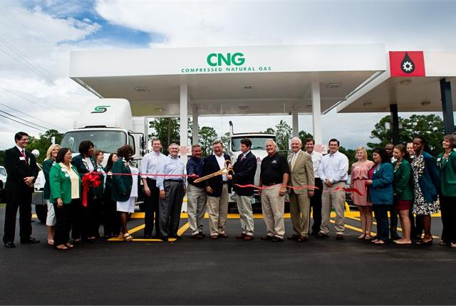 The ribbon-cutting ceremonyat the Valdosta CNG station on Aug. 16.(Photo courtesy of AGL)