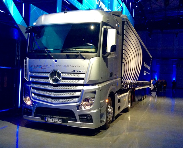 One of three platoonable Mercedes Benz Actros with Highway Pilot Connect that took the stage. Photo: David Cullen