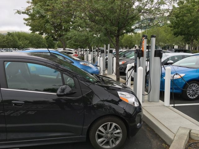 As part of its employee personal vehicle charging program, the company opened 90 additional EV charging stations at its Bishop Ranch campus in San Ramon. (PHOTO: PG&E)
