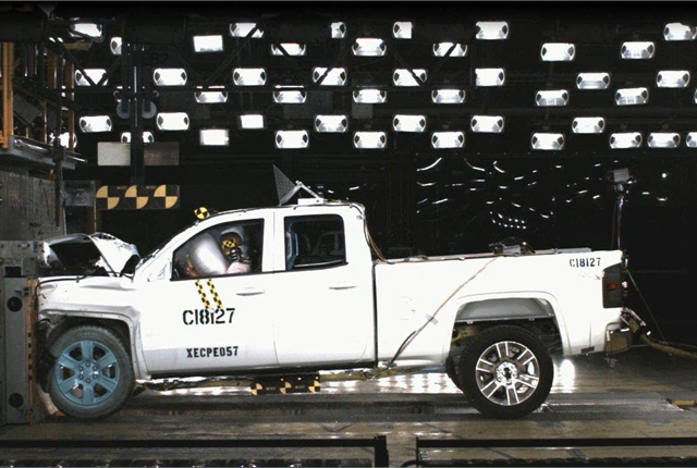 All cab configurations of the Chevrolet Silverado and GMC Sierra 1500 series are the first pickup trucks to receive the 5-star New Car Assessment Program Overall Vehicle Score for safety since the implementation of more rigorous requirements by the National Highway Traffic Safety Administration for the 2011 model year. (PHOTO: GM)