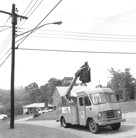 A West Penn Power lineman moves into position with his trusty bucket truck.(PHOTO: WEST PENN POWER)