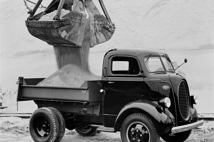 A 1939 Ford Cab Over Engine Dump Truck. - History of Ford Work ...