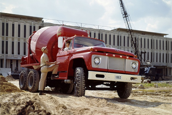 A 1962 Ford F-850 with concrete mixer. - History of Ford ...