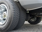 The LT235/80R17E all-season tires are fitted to 17-inch wheels.