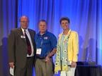 (l. to r.) Mike Antich, editor of Automotive Fleet; Joe Rader (who won