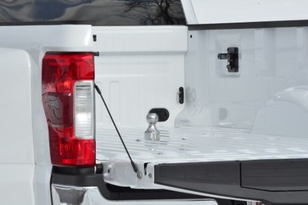 <p><em>Ford Super Duty Gooseneck Hitch (photo courtesy of CURT Manufacturing)</em></p>