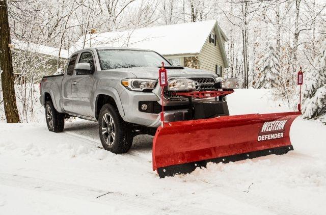 <p><em>DEFENDER Series snowplow image courtesy of Western Products</em></p>